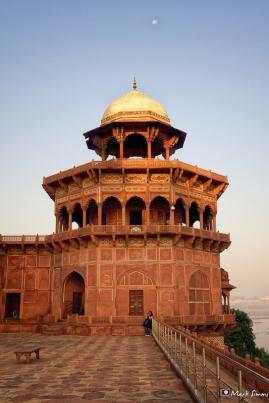 Taj Mahal: Watch-tower, Agra, Uttar Pradesh, India